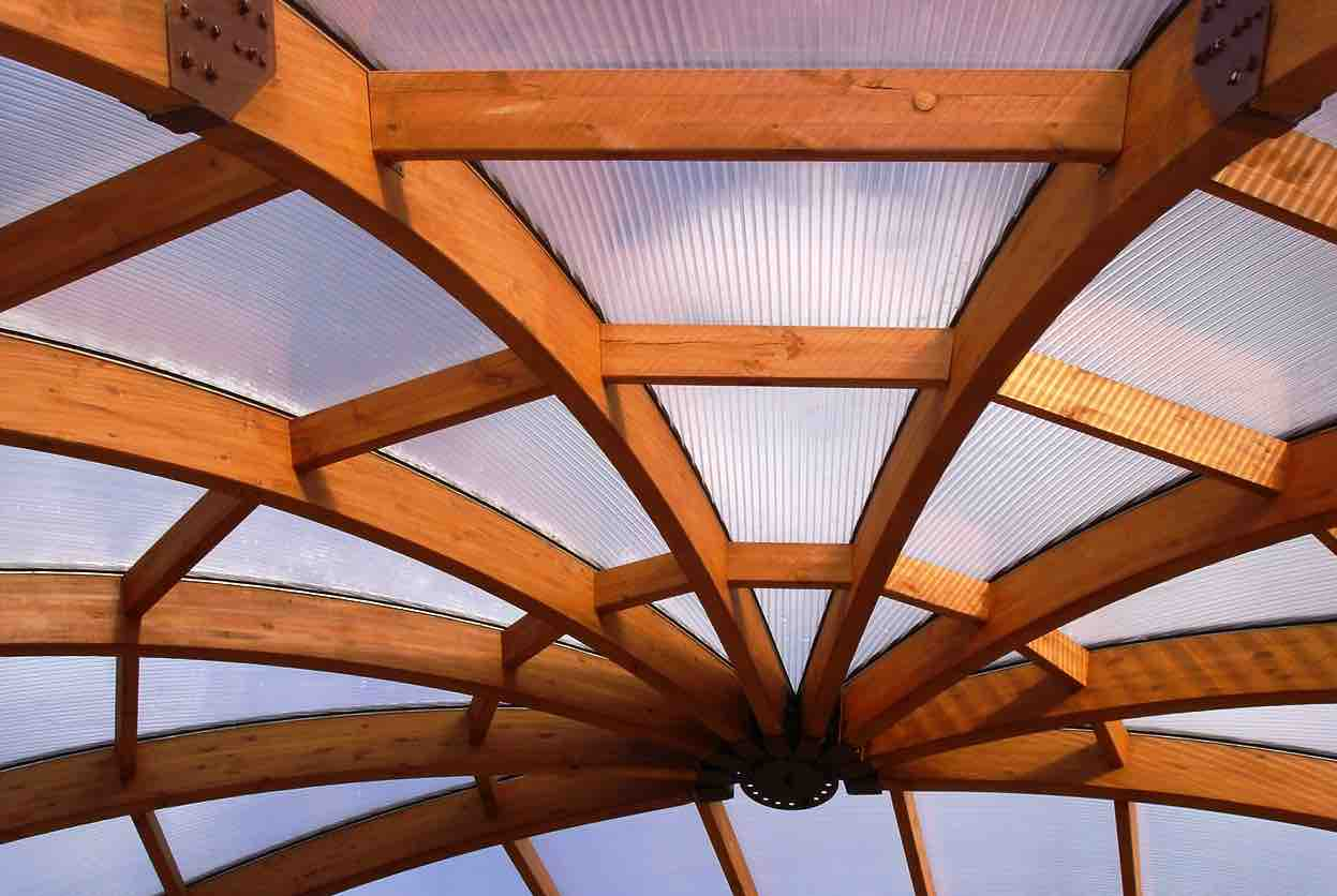 Glulam curves roofing
